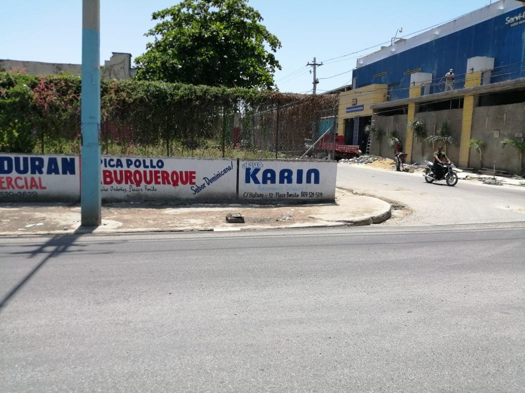 Ayuntamiento de San Pedro de Macorís Limpia Sistema de Drenaje de Aguas Residuales del Mercado Municipal.