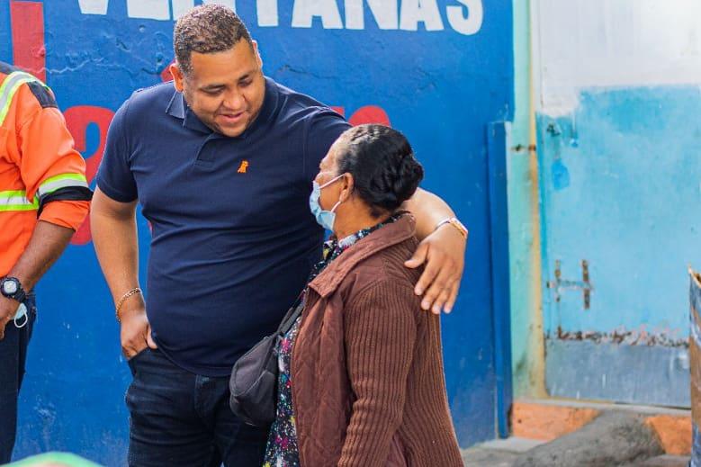 Residentes del Callejón Ortiz agradecen al alcalde Raymundo Ortiz por dar solución a inundaciones