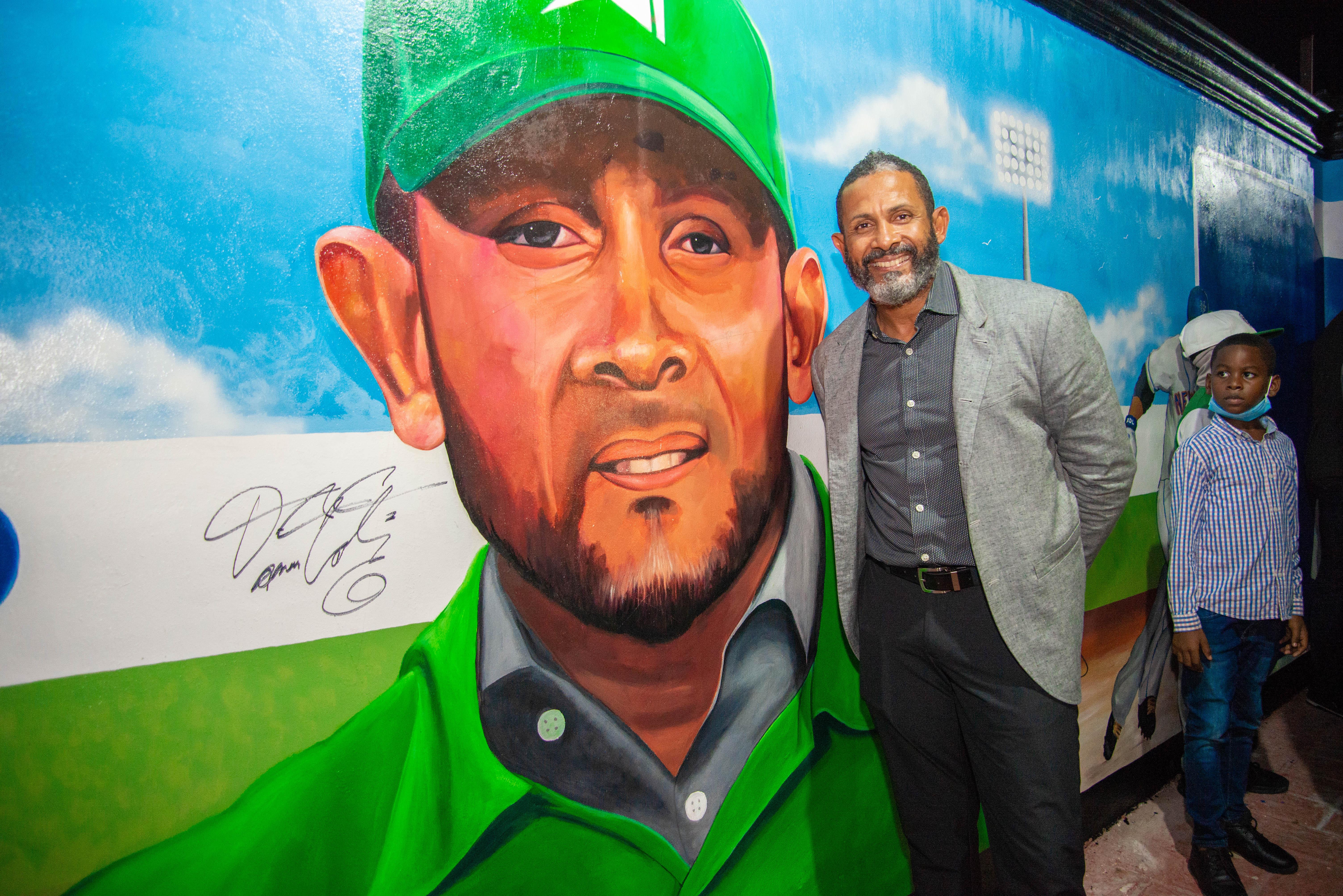 Alcaldía de SPM realiza por todo lo alto develación mural las «Las Glorias del Béisbol Petromacorisano